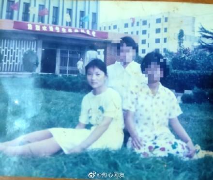 22年前,成绩优异的山东高中生苟晶(左)两度高考成绩被顶替。(苟晶微博)